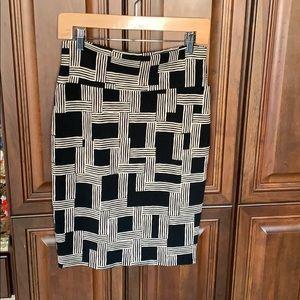 Figure Flattering LuLaRoe Pencil Skirt